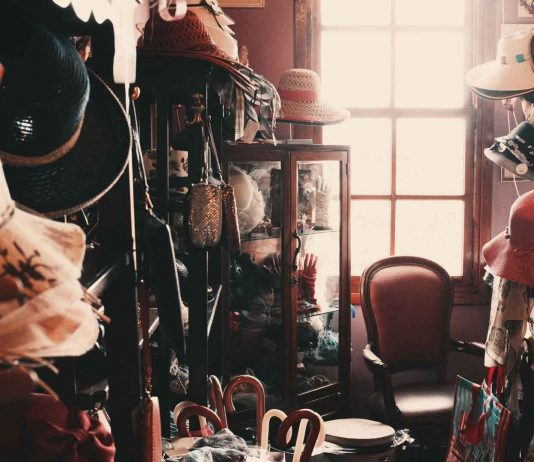 Great-Tips-for-Dealing-with-Clutter-That-Is-Not-Yours-on-contribution-space